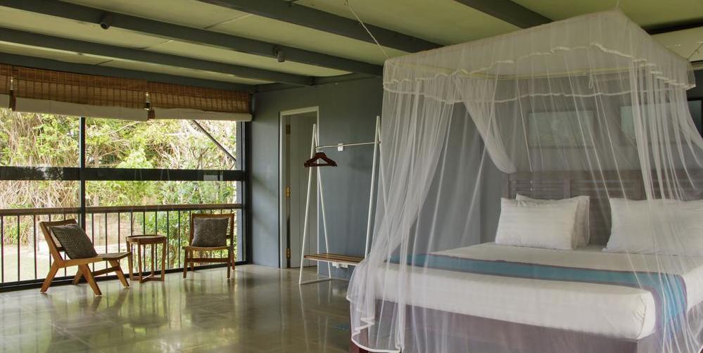 upstairs-master-bedroom