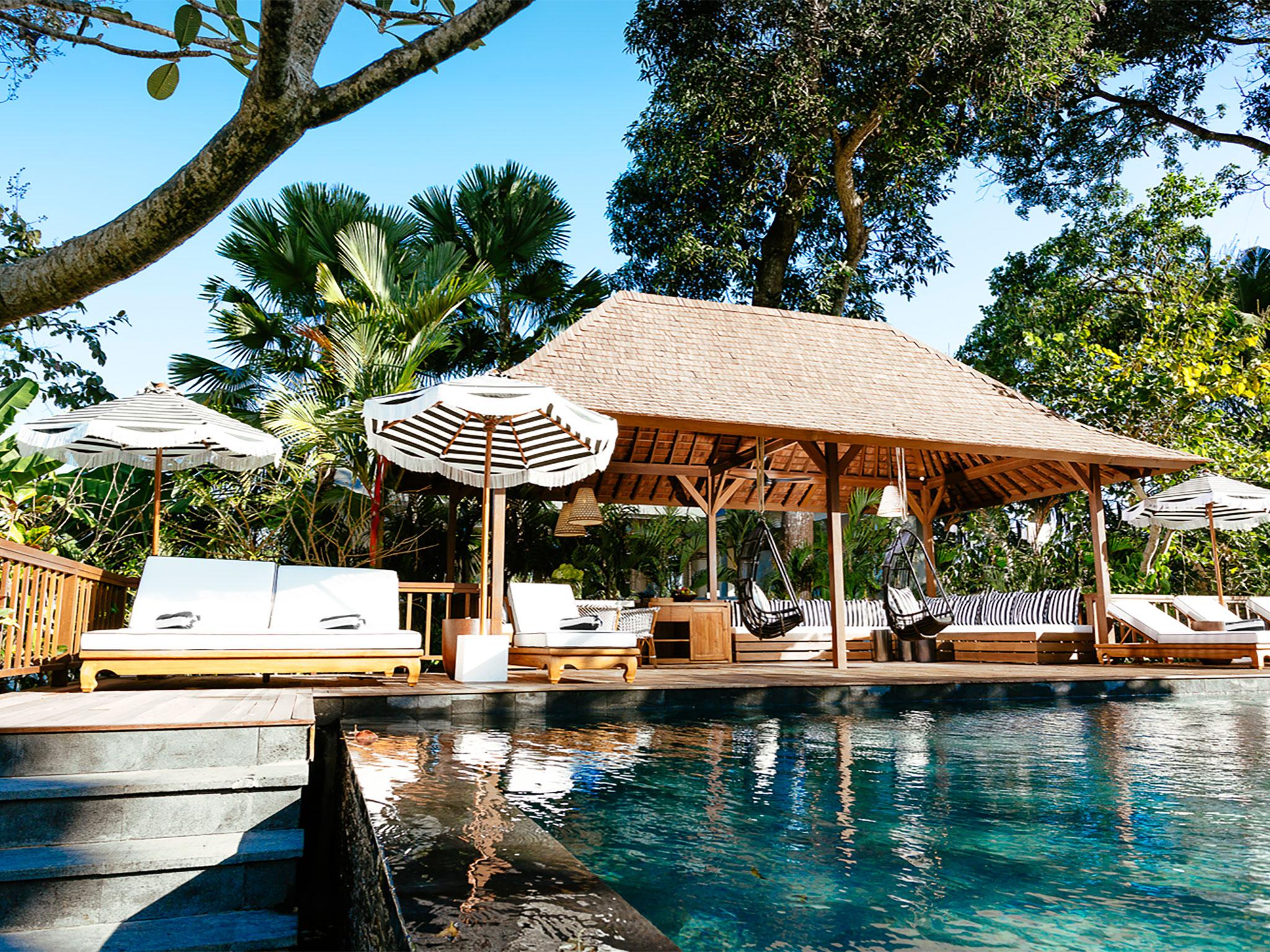 7-villa-simona-oasis-steps-to-pool-deck