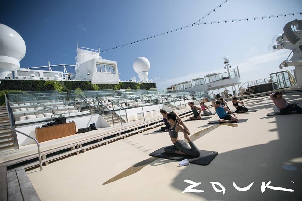 outdoor-yoga-class