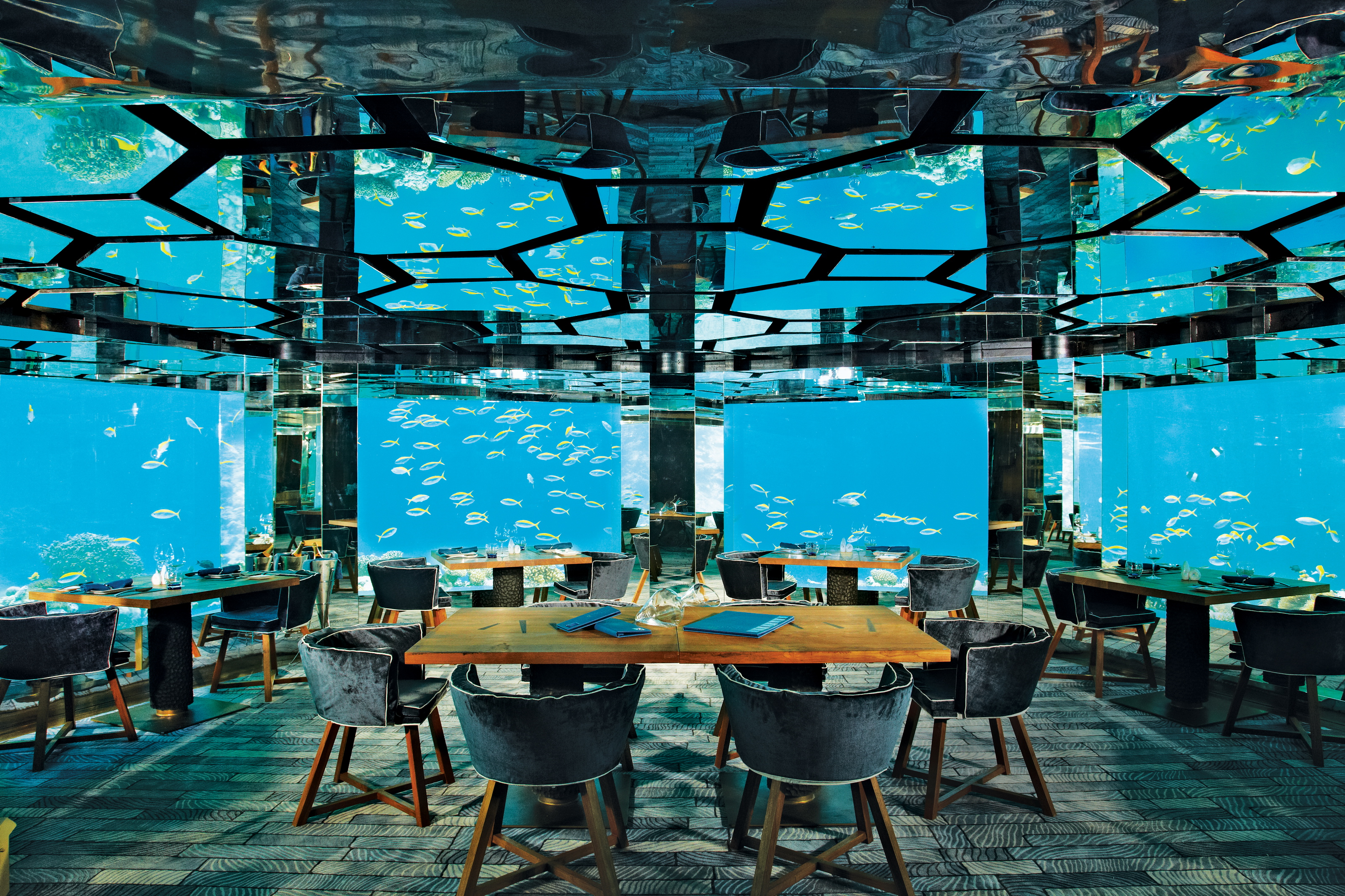 125352kihavah-underwater-restaurant