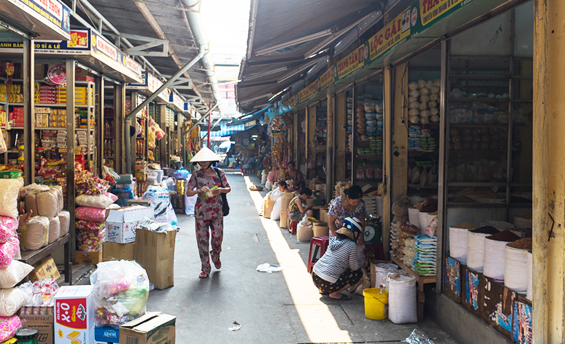 da_nang_bargain_central-_photo_of_the_con_market_by_christopher_crouzet_flickr