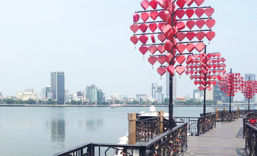 da_nang_city_lights-_photo_of_city_by_day_by_amy_lewis