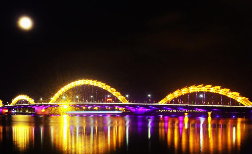da_nang_city_lights-_photo_of_dragon_bridge_in_da_nang-_photo_by_viet_phan_flickr