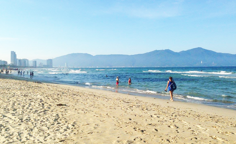 da_nang_golden_sands-_photo_of_my_khe_beach_by_amy_lewis