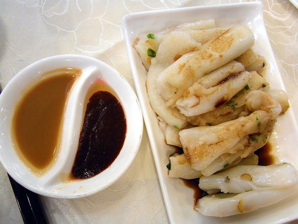 hk_sheung_wan_daimond_club_restaurant_dim_sum_food_%e7%85%8e_%e8%85%b8%e7%b2%89_pan-fried_rice_noodle_roll_%e8%8a%9d%e9%ba%bb%e9%86%ac_may-2012